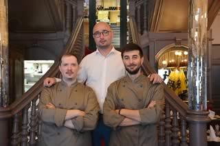 L'équipe de cuisine du restaurant