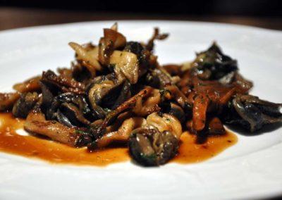 Comptoir Saint-Sébastien, poêlée d'escargots aux champignons